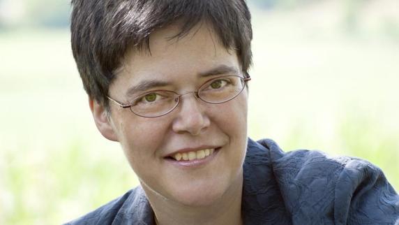 Die evangelische Theologin Renate Kühn aus Geltendorf, die ein Buch über den ...