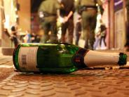 Unterfranken: Betrunkener Taxifahrer schläft in Autobahnausfahrt - Sekt im Auto