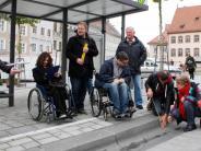 Barrierefreiheit: Behindertenparkplatz mit Handicap