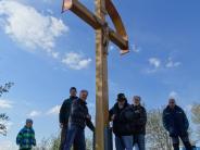 Sonnendachl: Ein Kreuz für den Uttinger Aussichtspunkt