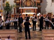 Thaining: Abendlicher Hornzauber in der Kirche