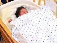 Neujahrsbaby in Landsberg: Ranrir Kaur schläft viel