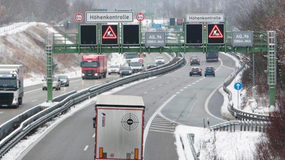 Autobahn 96: Höhenkontrolle bremst Laster aus - Staus auf der A96