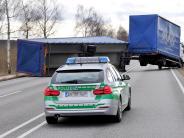 Landkreis Landsberg: Wind bläst einen Anhänger auf die Gegenfahrbahn