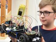 Jugend forscht 2017: Siegreich mitFeueralarm und selbst steuerndem Auto