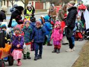 Fasching: Ganze Scharen von Kindern stürmen das Kauferinger Rathaus