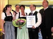 Apfeldorf: Elstern, Rosen und Holzgeschichten