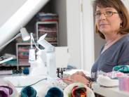 Sternenkinder: Eine Landsbergerin näht für verstorbene Babys