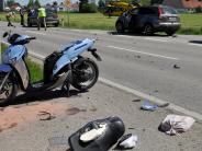 Unfall bei Pürgen: Rollerfahrer schwer am Bein verletzt