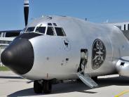 "Bildergalerie: Rollout Transall C-160 Sonderlackierung ""Silberne Gams 51-01"""