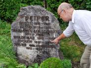 Landkreis Landsberg: Nach SS-Massaker: Nachkommen der Opfer beten am Grab des Täters