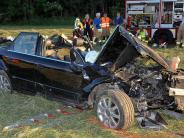 Windach: Autofahrer überschlägt sich mehrfach