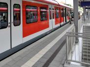 Kreis Landsberg: Bahnhof Geltendorf: Frau stürzt auf Treppe – wurde sie gestoßen?