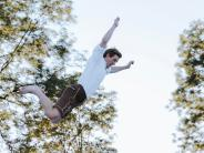 Landsberg: Wenn Dirndl und Lederhose fliegen lernen