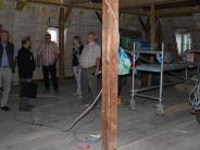 Fuchstal: Per Handarbeit zum neuen Aufzug