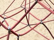 Landkreis Landsberg: Kletterseile auf Kinderspielplatz beschädigt