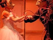 Maskentheater: Vom Leben hinter der Bühne