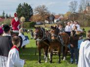 Reichling/Wengen: Festliche Wagen und geschmückte Tierezu Ehren des Heiligen Leonhard