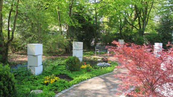 Rat & Hilfe im Trauerfall: Die Bestattungskultur wandelt sich