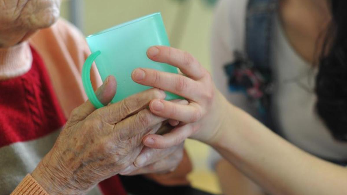 ratgeber: welche ansprüche patienten und angehörige im pflegefall, Badezimmer ideen