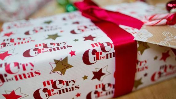 Weihnachten & Advent Special: Geschenke für die Enkel mit den Eltern abklären