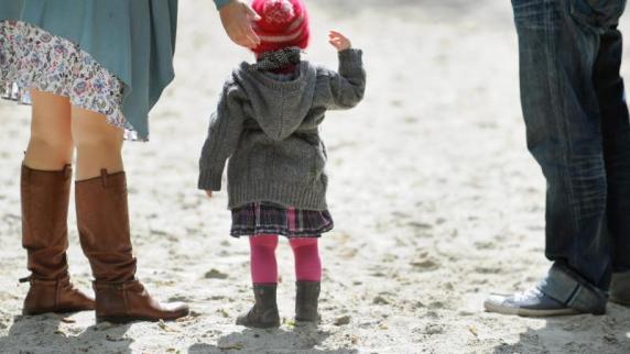 Getrennte Eltern haben gleichen Anspruch auf Zeit mit dem Kind