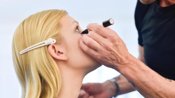 : Einfach natürlich: Make-up im Nude-Look bleibt angesagt