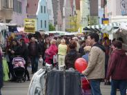 Marktsonntag in Wertingen: Es ist Marktsonntag in der Einkaufsstadt Wertingen