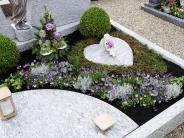 Gedenken an Allerheiligen: Gedenken an die Verstorbenen