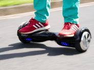 Hoverboards und One-Wheels: Polizeiwarnt vorSkateboards mit E-Motor als Geschenk