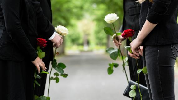 Rat und Hilfe im Trauerfall: Die Trauerfeier schon jetzt planen