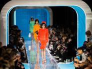 Moschino und Max Mara: Mailänder Modewoche: Comeback des Jackie-Kennedy-Stils