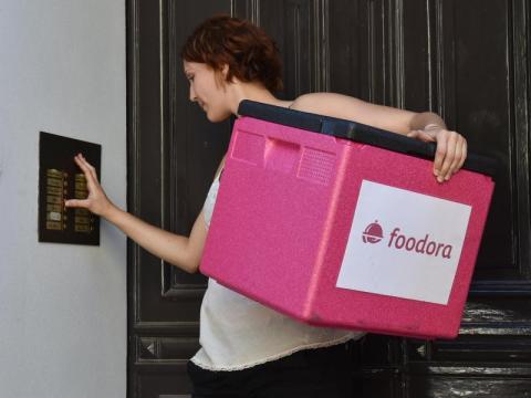 fastfood kette mcdonald 39 s erweitert seinen lieferservice in deutschland wirtschaft aktuelle. Black Bedroom Furniture Sets. Home Design Ideas