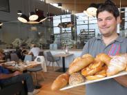 Friedberg: Hier schauen Gäste den Bäckern live bei der Arbeit zu