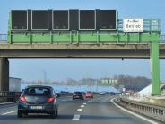 Kreis Augsburg: Mehr Sicherheit: Polizei will Schilderbrücken für die A8