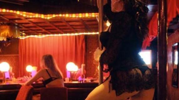 prostitution ungarn frau obenauf