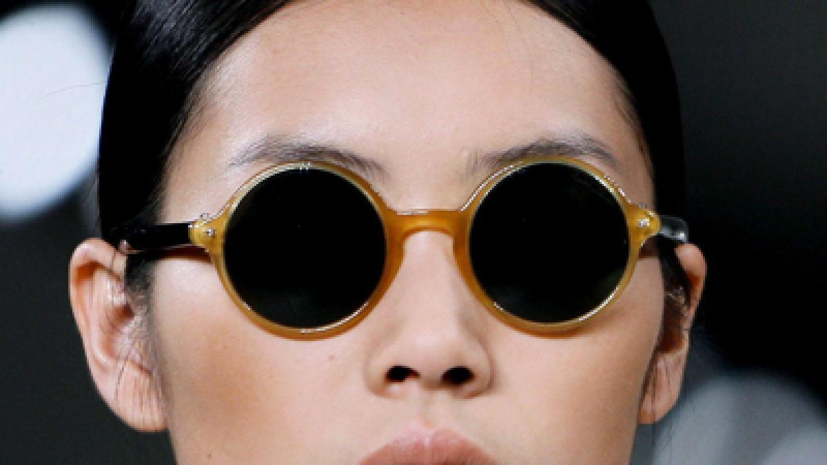 modetrends runde sonnenbrillen sind wieder da promis. Black Bedroom Furniture Sets. Home Design Ideas