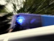 Kreis Freising: Auto rast in Stauende: Vater stirbt, Ehefrau und Kinder verletzt