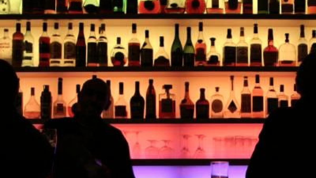 Die Klassenstunde zum Thema des Alkoholismus und die Teenager