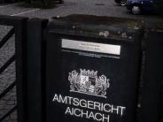 Prozess in Aichach: Gefangener trat gestürztem JVA-Beamten ins Gesicht