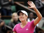 : Paris: Henin besiegt Scharapowa - Federer weiter