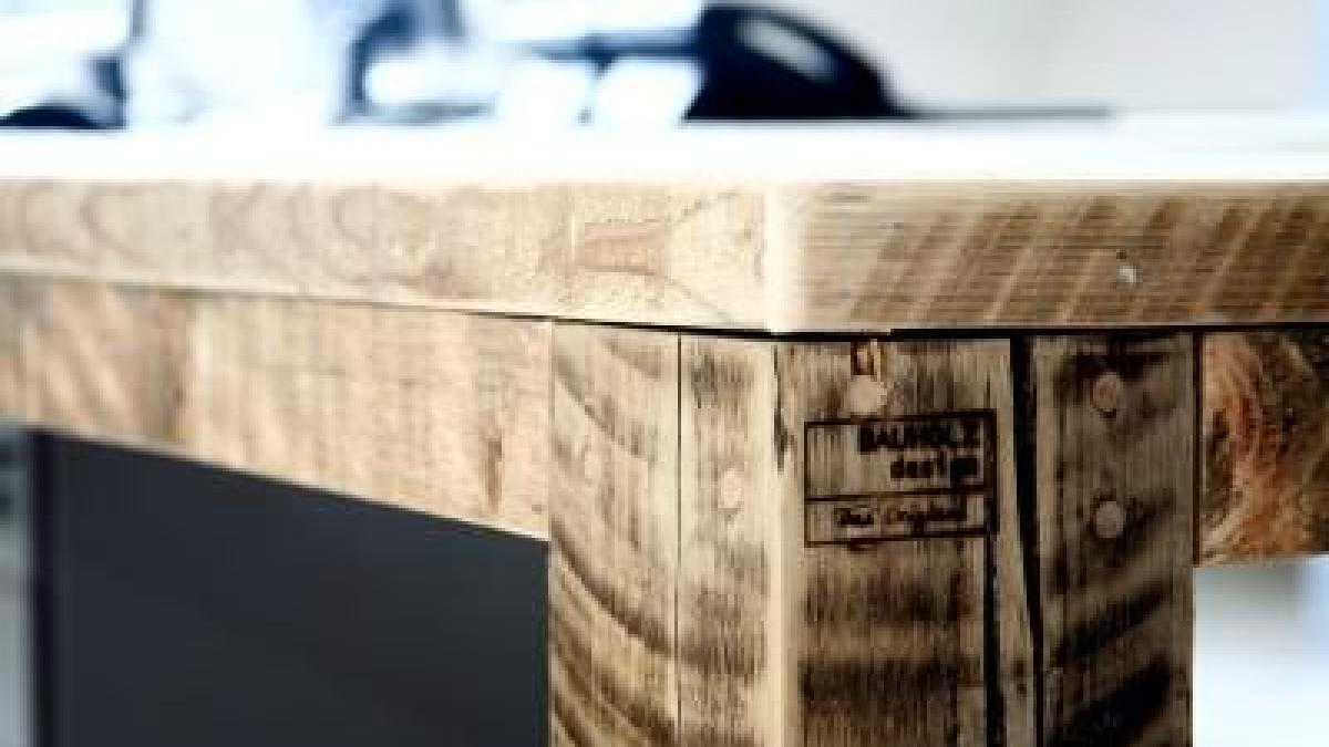 aus alt mach neu m bel aus ger stbohlen und eisstielen. Black Bedroom Furniture Sets. Home Design Ideas