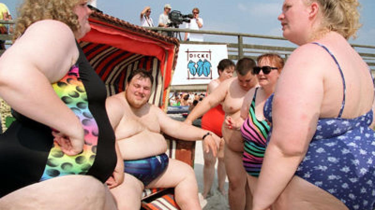 Fett übergewichtig nackt nackt
