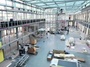 : Bislang schwitzen nur Handwerker in der neuen Schule