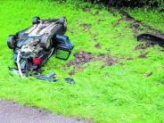: Auto überschlägt sich: Fahrer und Hund bleiben unverletzt