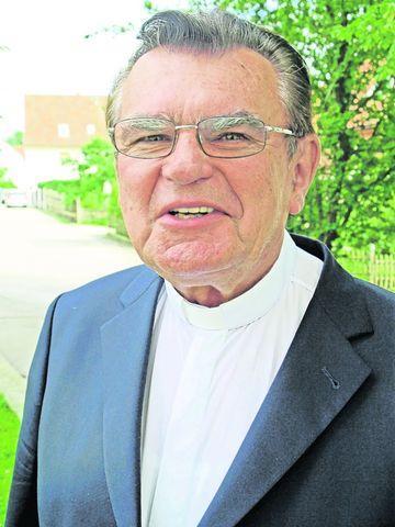 Monsignore <b>Horst Grimm</b> feiert am Sonntag das Jubiläum. Foto: Franz J. Paul - Bald-will-er-Pfarrer-in-Rufweite-sein