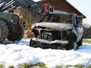 Unterallgäu: Auto ausgebrannt: Feuerwehrmann verhindert Schlimmeres