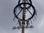 Brauchtum im Unterallgäu: Die schönsten Maibäume stehen fest