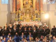 Konzert: Chöre und Stadtkapelle vereint
