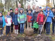 Aktion in Pfaffenhausen: Auf geht's zum Bäumepflanzen